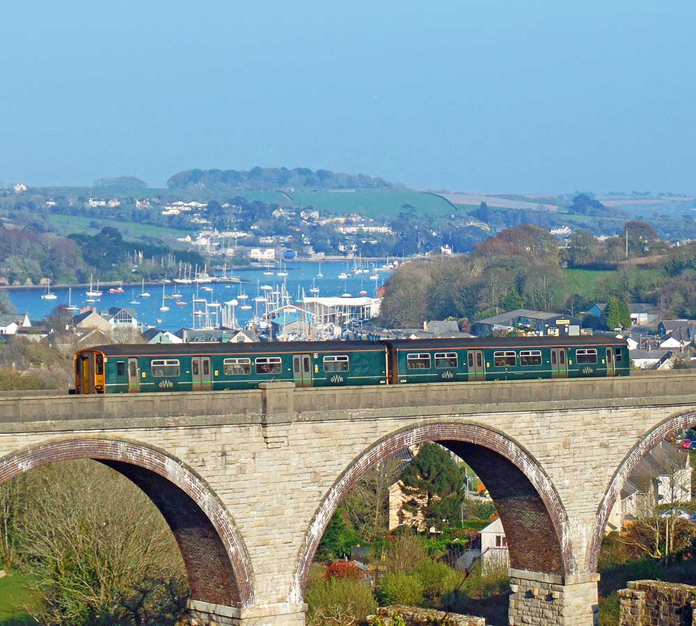 GWR Maritime Line train on the Collegewood Viaduct