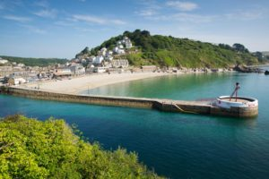 Beach and Banjo Pier in Looe