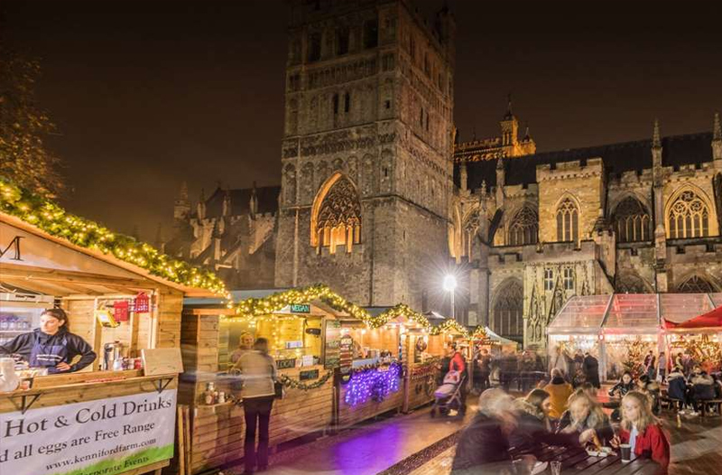 Exeter Christmas Market in front of the cathedral