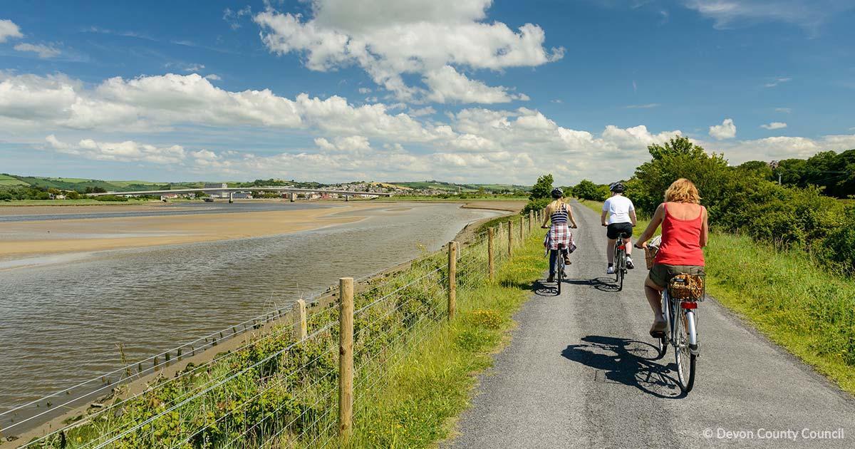 Cyclists on Tarka Trail
