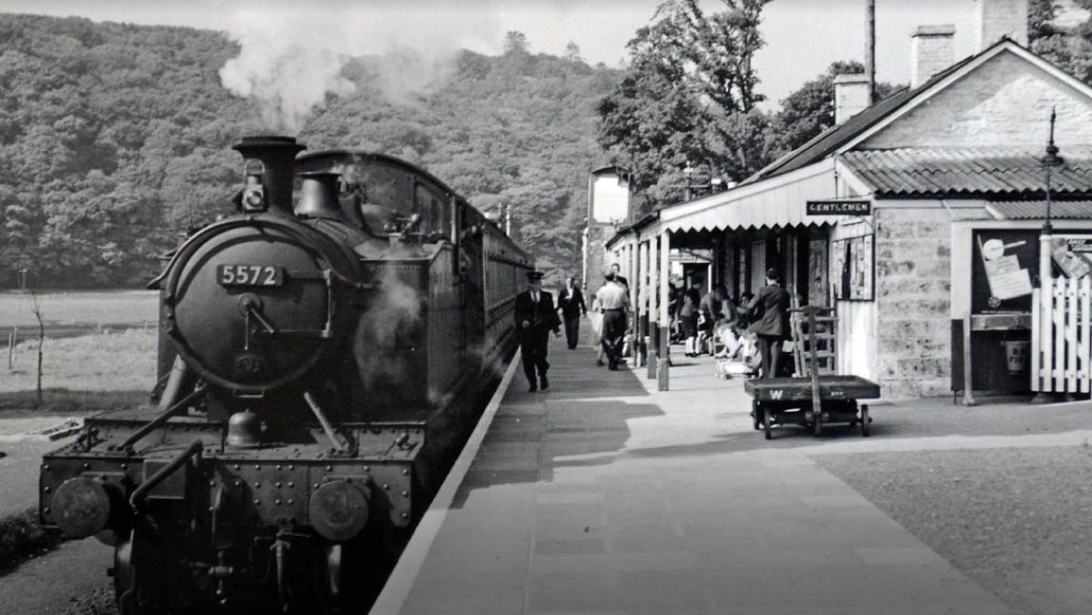 Looe station in 1950s - courtesy of The National Archives